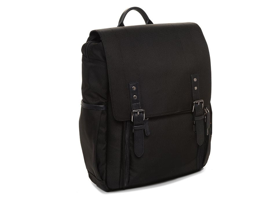 33f63a03e431 The Nylon Camps Bay. Camera and 17″ laptop backpack